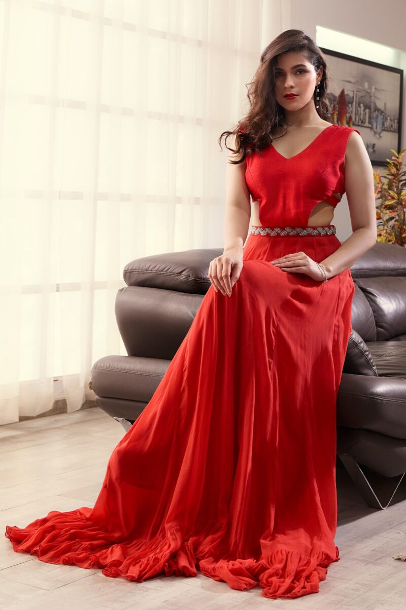 indo western gown for engagement